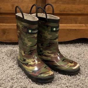 5/$25 boys camo rubber rain boots